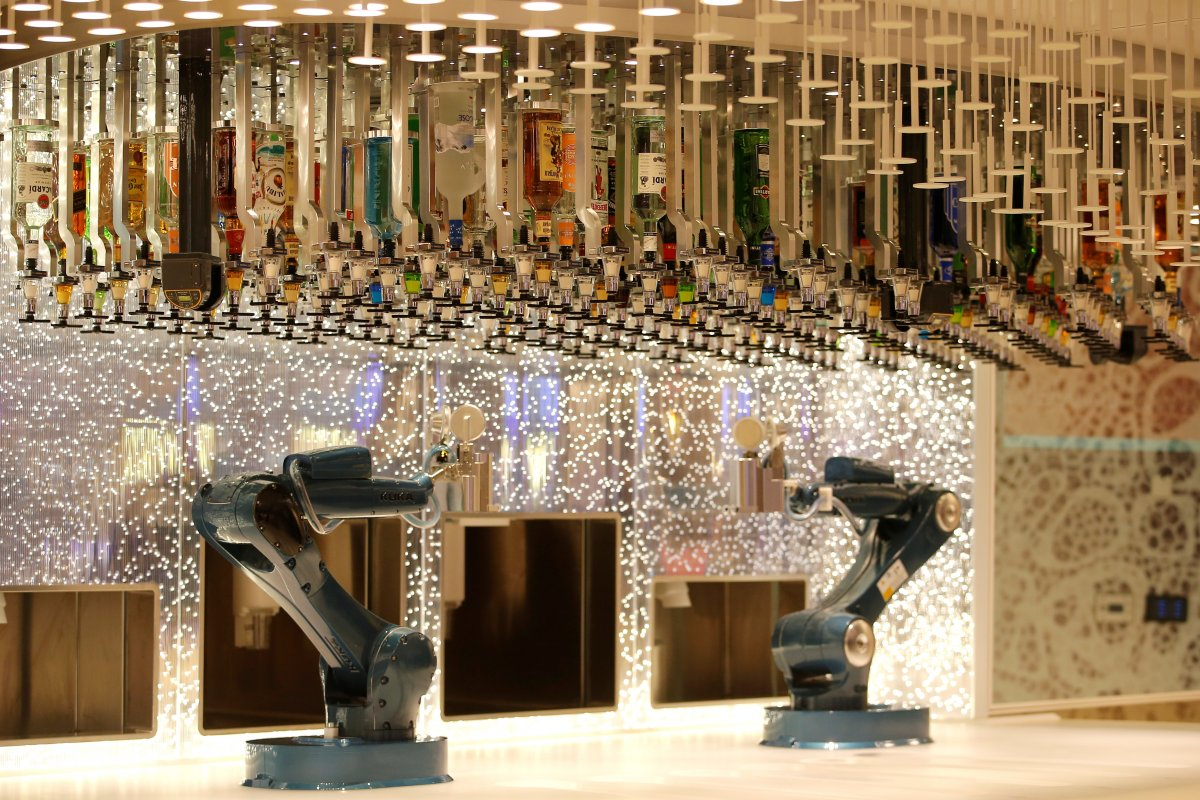 heres-royal-caribbeans-robotic-bionic-bar-there-are-also-20-different-dining-options-available